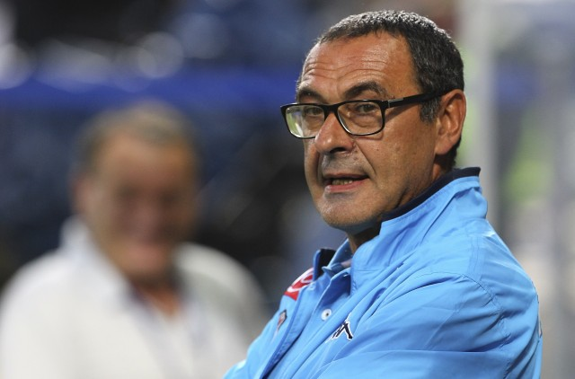 REGGIO NELL'EMILIA, ITALY - AUGUST 23:  SSC Napoli coach Maurizio Sarri looks on before the Serie A match between US Sassuolo Calcio and SSC Napoli at Mapei Stadium - Città del Tricolore on August 23, 2015 in Reggio nell'Emilia, Italy.  (Photo by Marco Luzzani/Getty Images)
