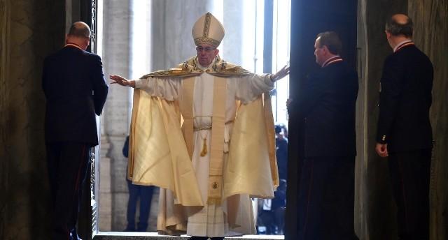papa porta santa