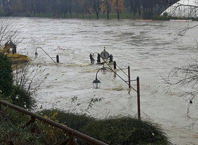maltempo-italia-alluvioni-al-nord-ovest-con-anche-il-po-in-piena-esonda-il-bormida
