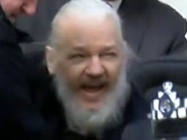 skynews-julian-assange-arrested_4635807